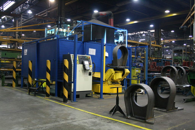 Welding complex, consisting of 2 mirror positioned robotic